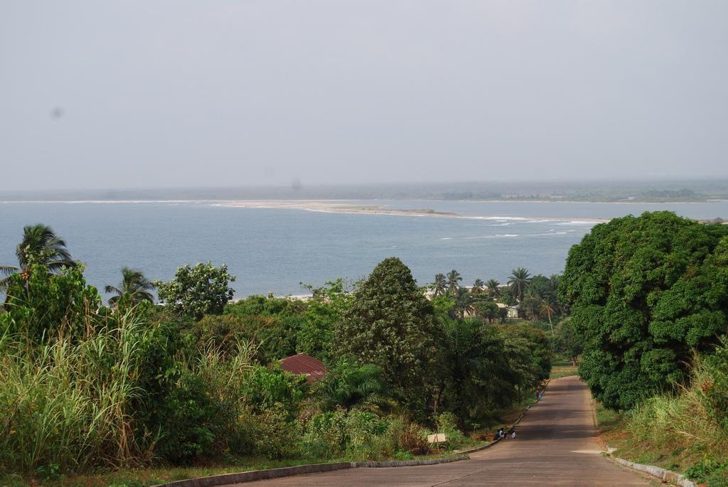 Liberia -- Robert 2