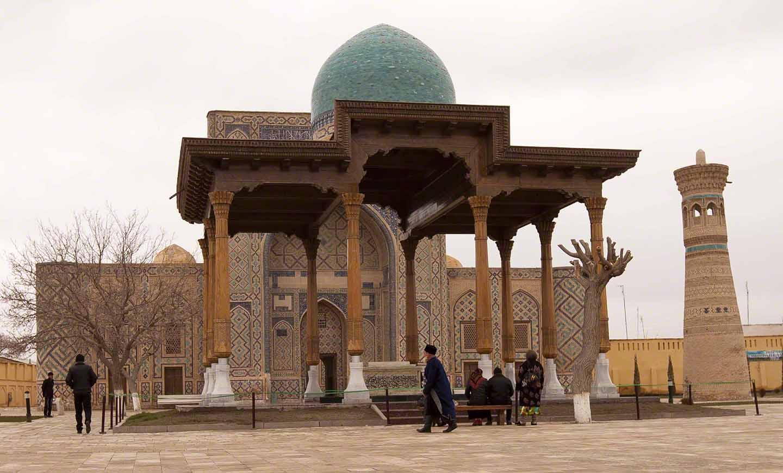 tomb-of-ghujdawani-0