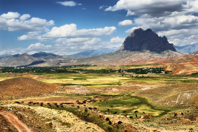 azerbaijan_snake_mountain_lrg