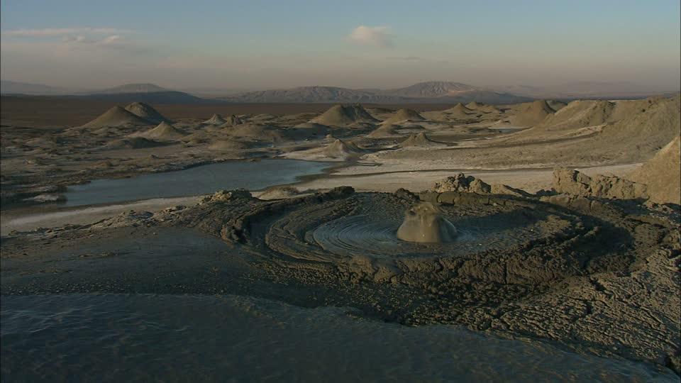 gobustan-national-park-mud-volcano-azerbaijan-mudhole